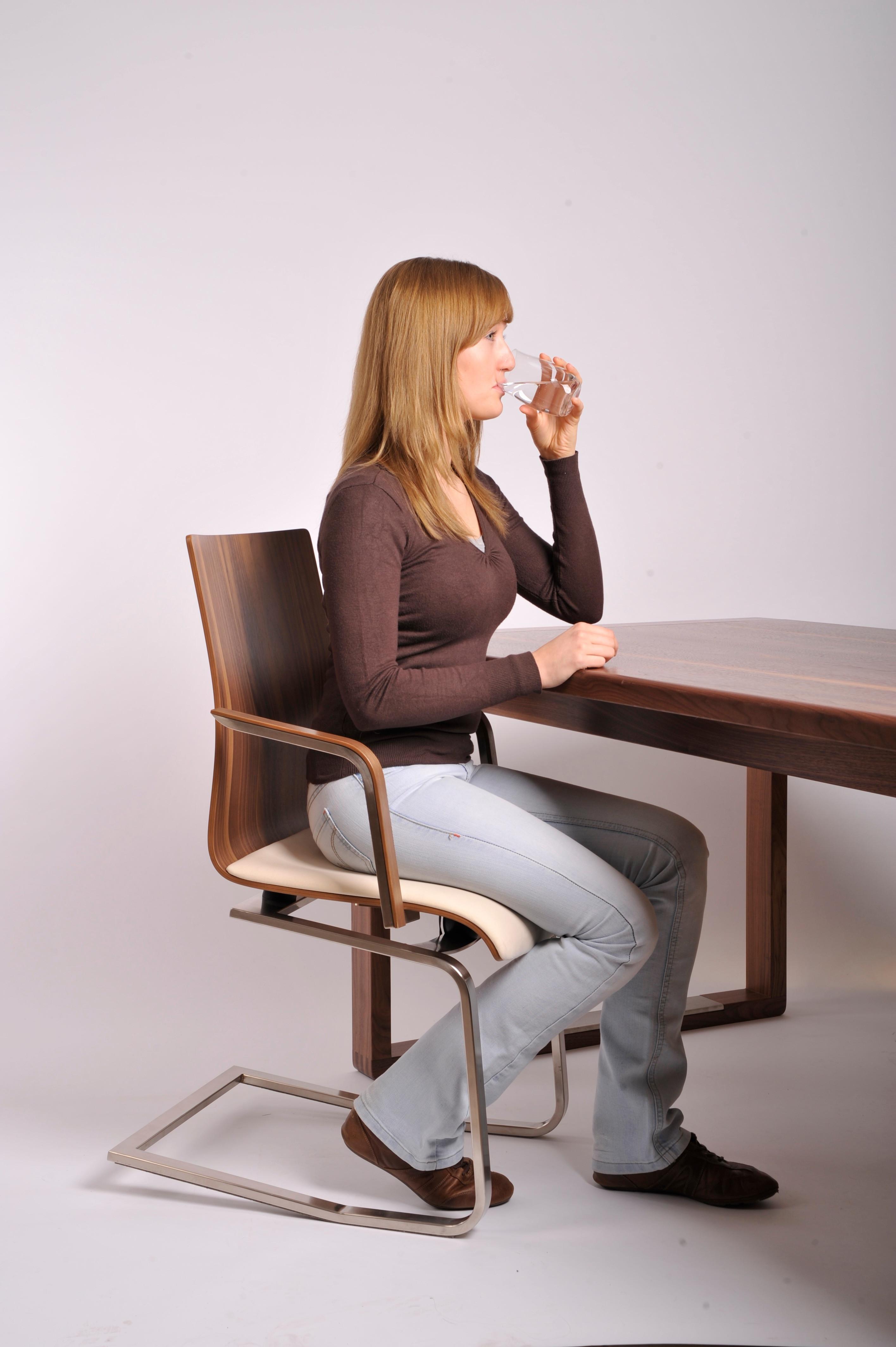 Si ge salle manger en cuir avec accoudoir moizi24 for Fauteuil accoudoir salle a manger