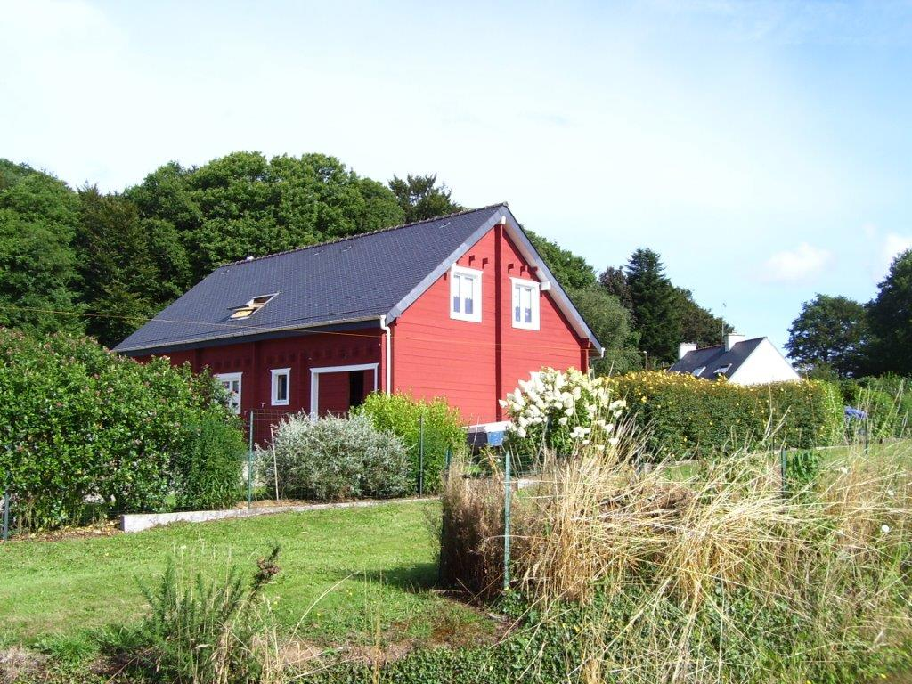 La-Maison-de-lecologie-Peinture-de-falun-rouge-finistere