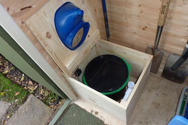 Toilette sèche Privy Separett évacuation des urines