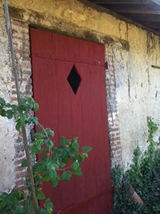 Peinture naturelle prête à l'emploi pour bois intérieur / extérieur ou supports absorbants comme plâtre, chaux, OSB, BA13 en intérieur.