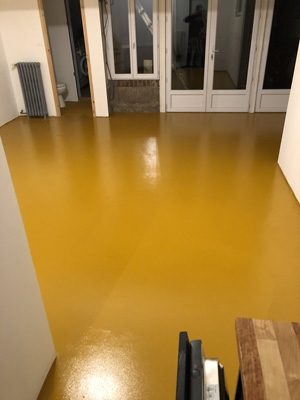 peinture-naturelle-sol-beton-gorgo-ocre