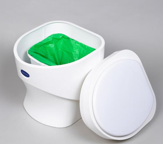 oilette sèche Separett Week-end est parfaitement adapté aux résidences secondaires. 100% d'économie d'eau!